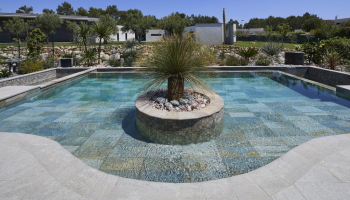 Tendance carrelage piscine grand format